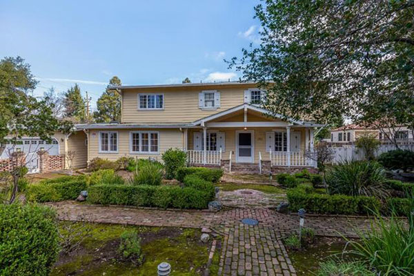 585 Cherry Avenue Los Altos, CA 94022